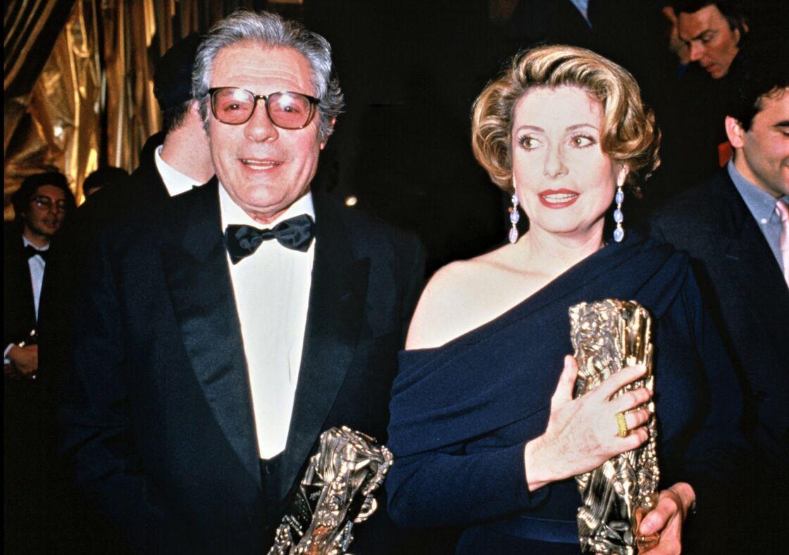 Marcello Mastroianni et Catherine Deneuve aux César en 1993.