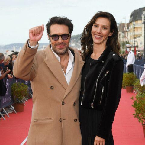 PHOTOS – Nicolas Bedos soutenu par Doria Tillier, il retrouve le sourire