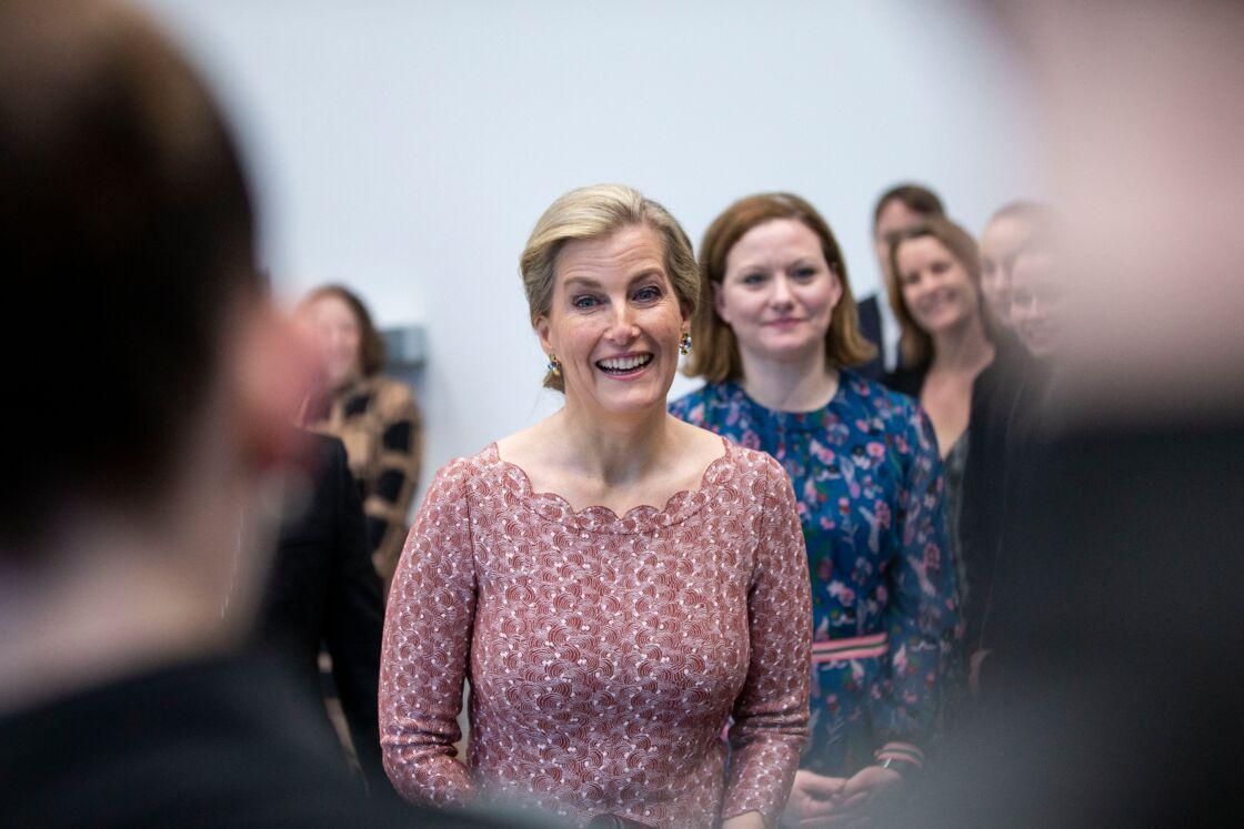 La comtesse Sophie de Wessex visite Central School of Ballet, une école de ballet classique , à Londres le 27 février 2020.