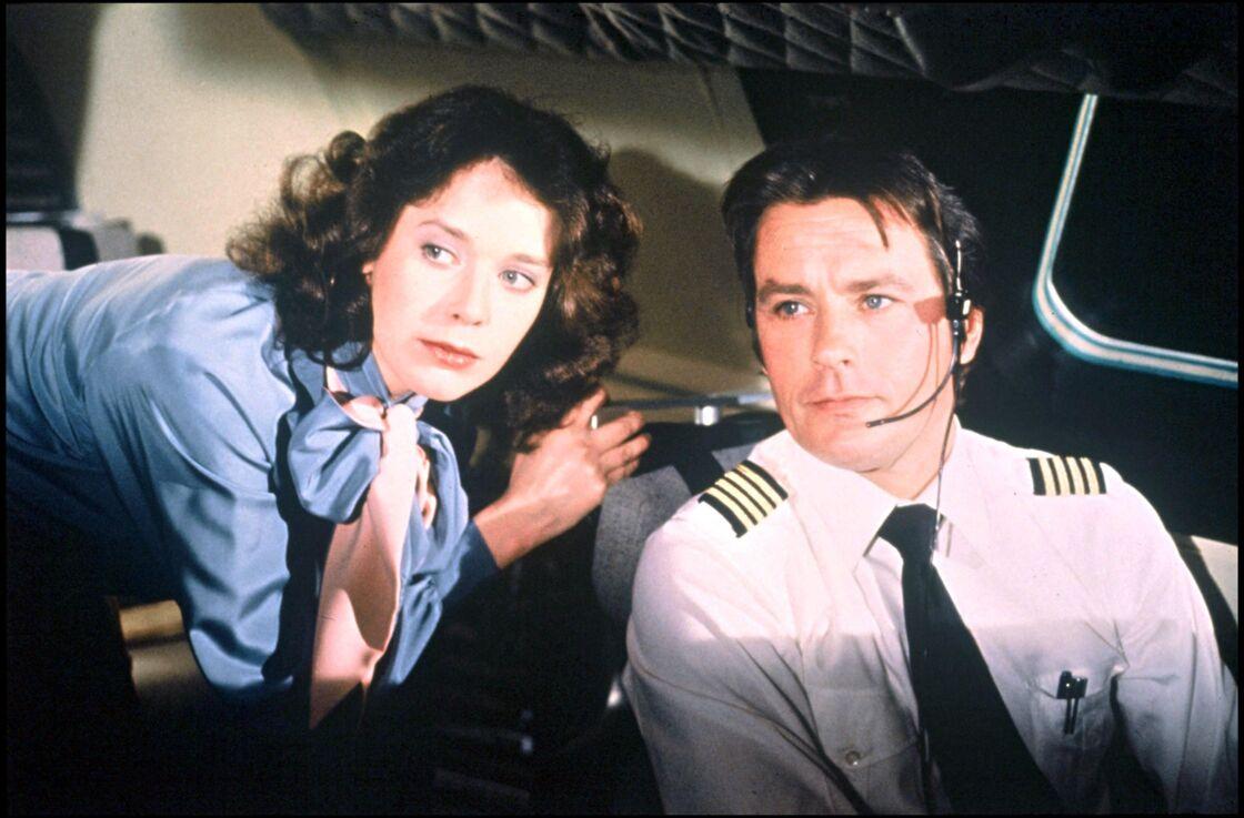 Sylvia Kristel et Alain Delon dans Airport 80 Concorde de David Lowell Rich (1979).