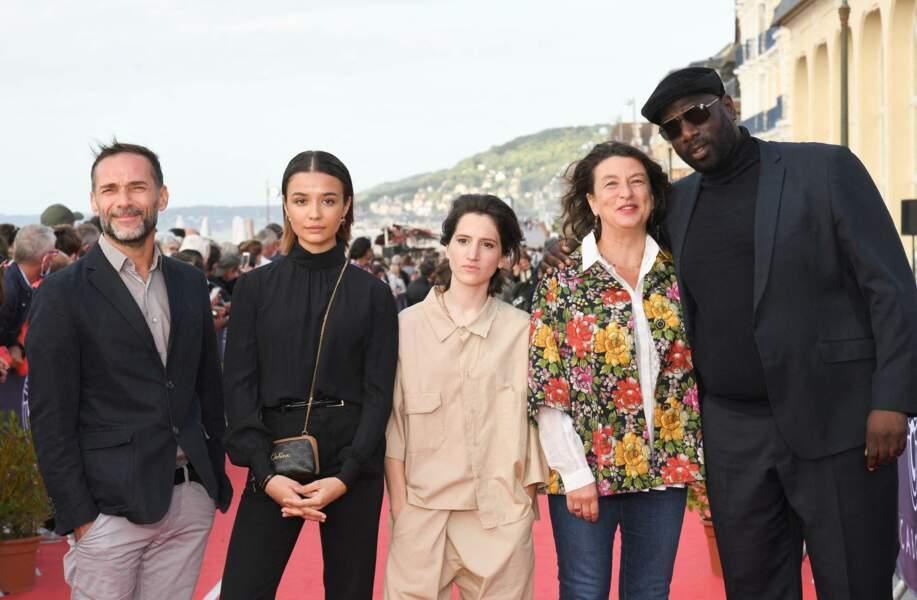 Le 34e festival de Cabourg a accueilli le jury de la section court métrage composé de la présidente Noémie Lvovsky, Malcolm Conrath, Aloïse Sauvage, Steve Tientcheu et Carmen Kassovitz