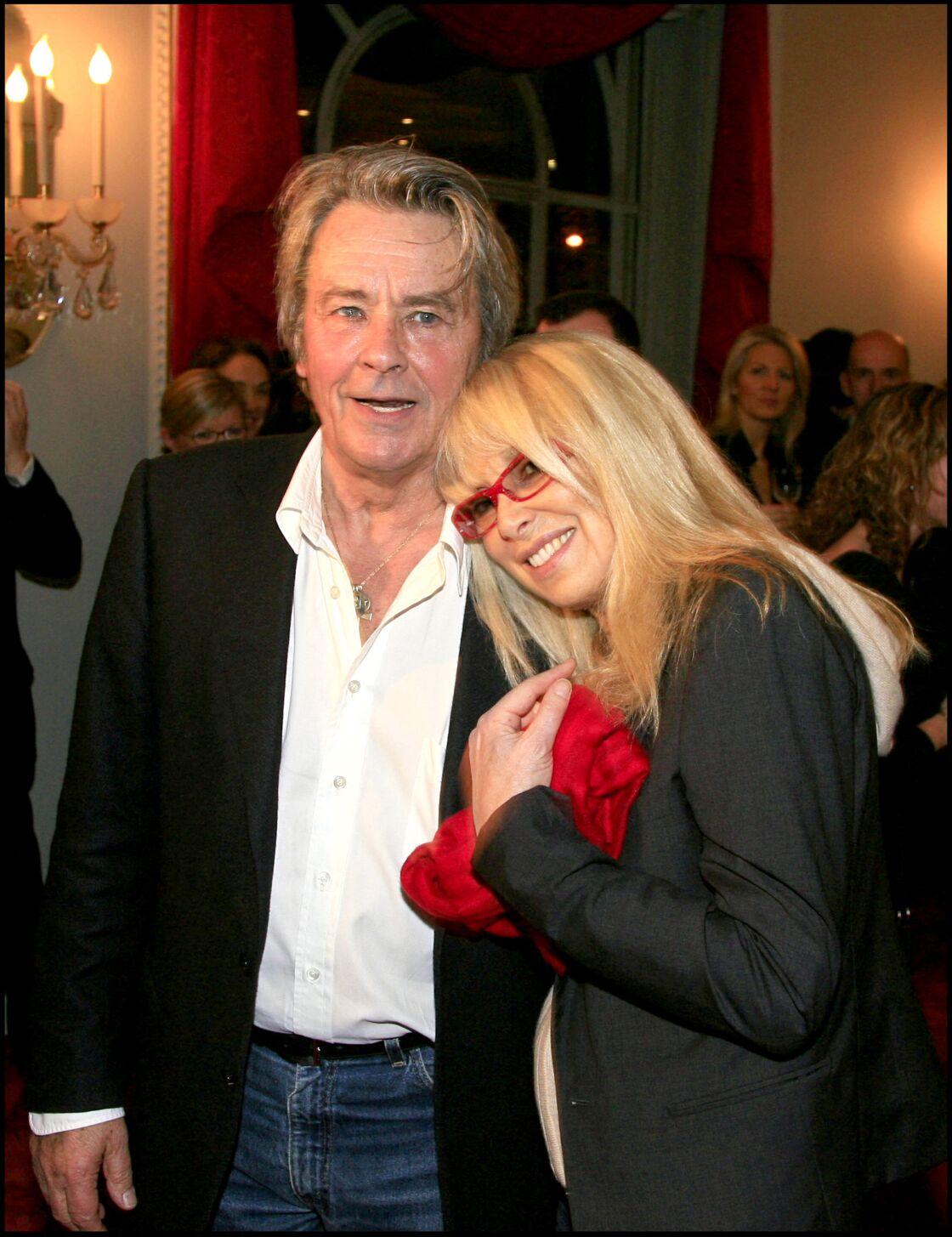 Mireille Darc et Alain Delon en 2007