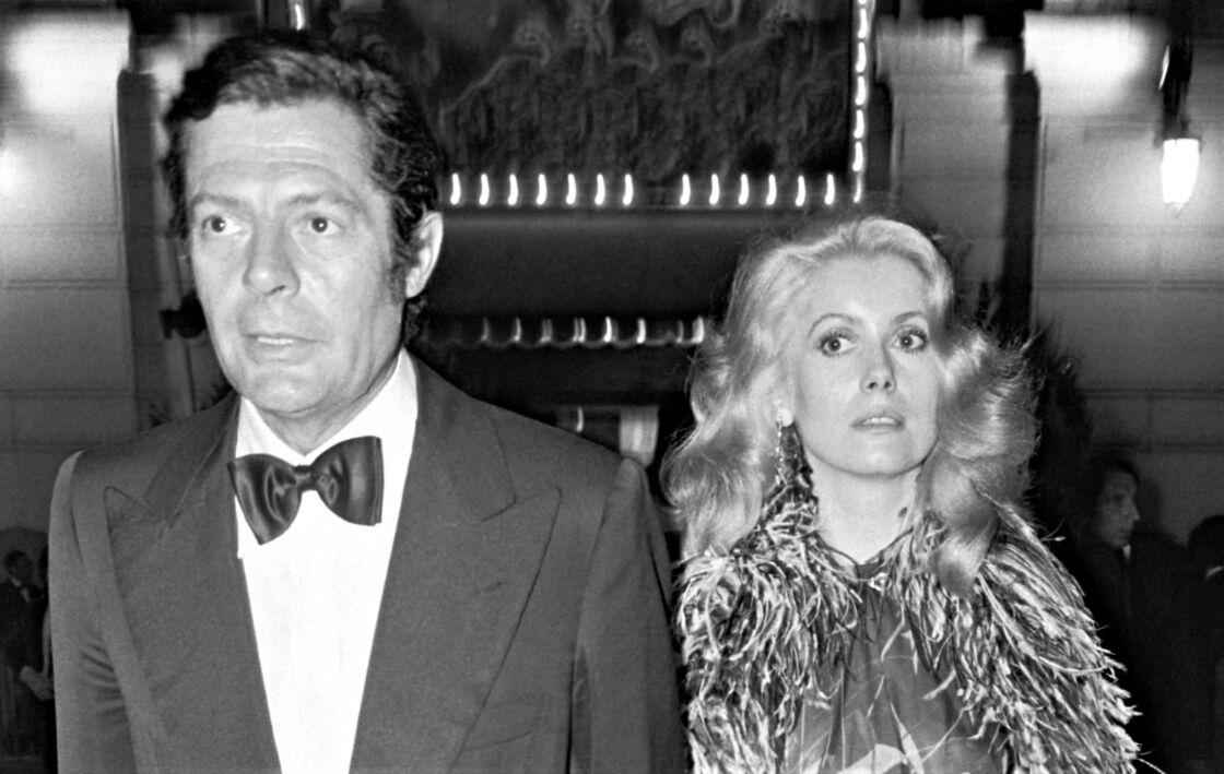 Marcello Mastroianni et Catherine Deneuve en 1974.