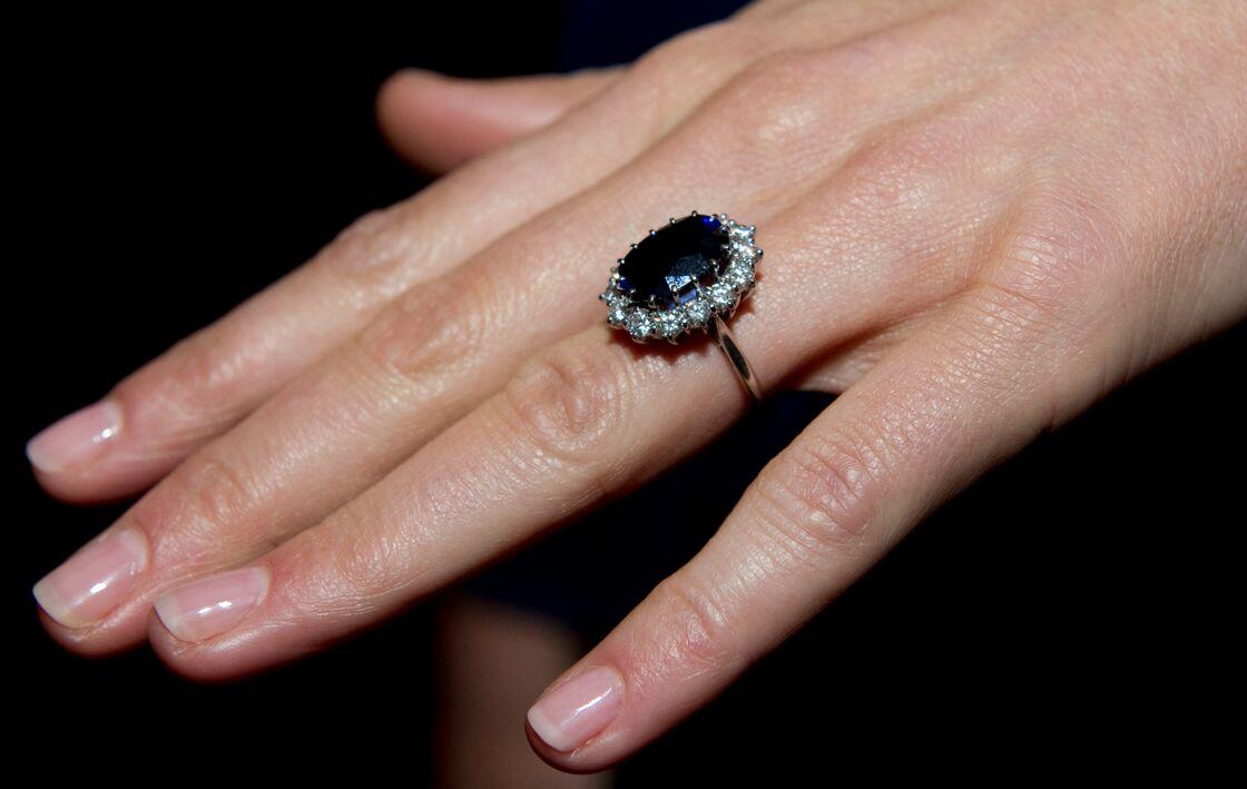 L'époustouflante bague de fiançailles de Kate Middleton et Diana