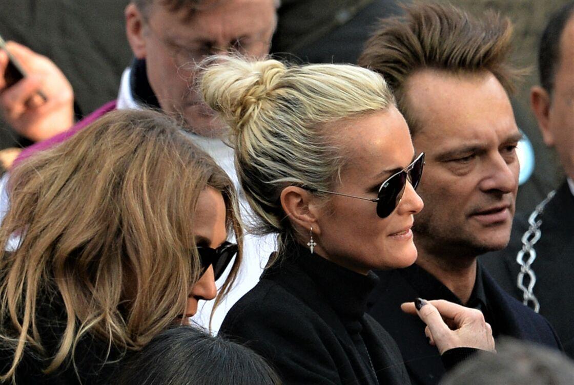 Laura Smet, Laeticia Hallyday et David Hallyday, lors de l'hommage de Johnny à la Madeleine, à Paris, le 9 décembre 2017.