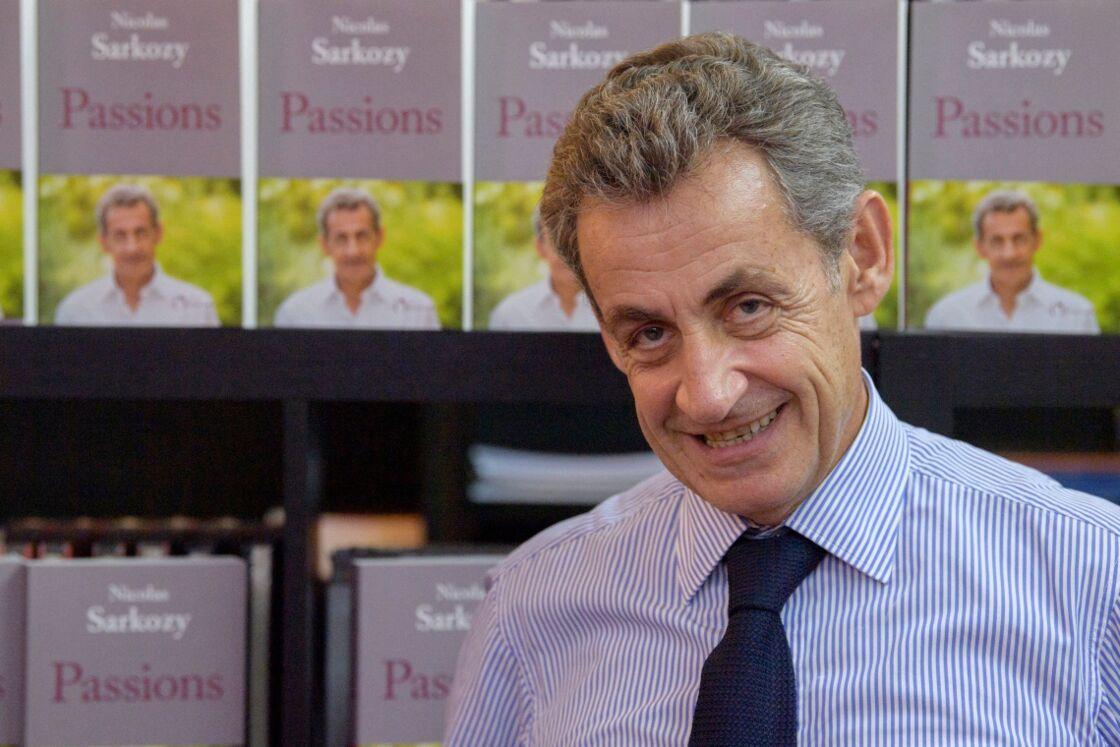 Nicolas Sarkozy en dédicace pour son livre