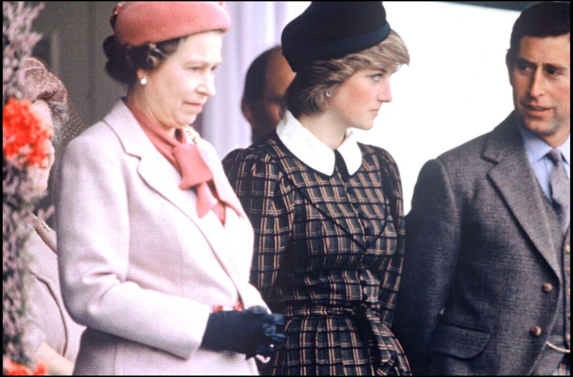 Elizabeth II, Diana et Charles en 1982