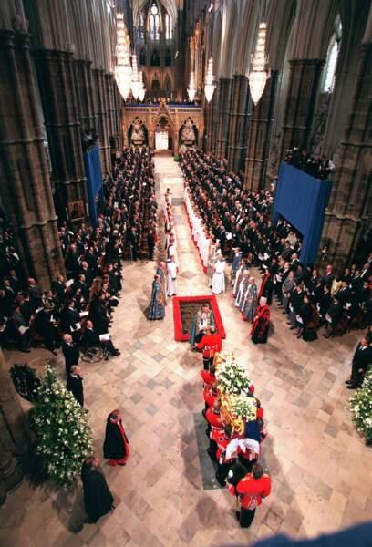 De nombreuses personnalités présentes pour un dernier adieu à Lady Diana