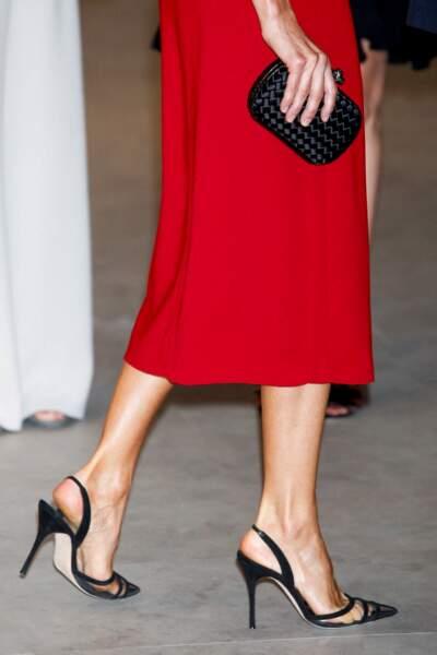 La reine d'Espagne juchée sur ses magnifiques talons aiguilles