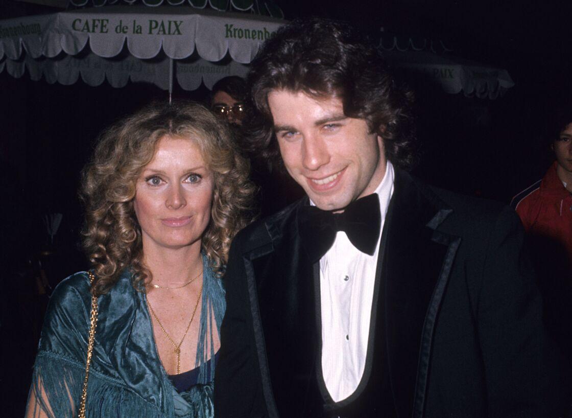 John Travolta et Diana Hyland, en 1976, un avant la disparition de cette dernière.