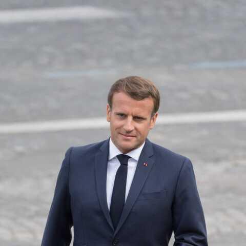 """""""Il a du bagou"""": le Gilet jaune qui a interpellé Emmanuel Macron raconte les coulisses de leur échange"""