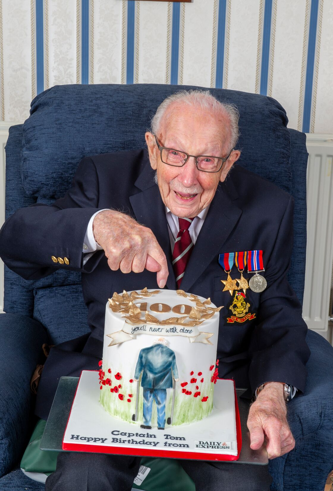 Le vétéran Tom Moore a fêté ses 100 ans le 30 avril 2020
