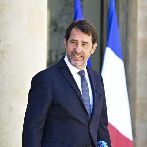 Christophe Castaner de retour à l'Assemblée, sans masque, la vidéo qui choque