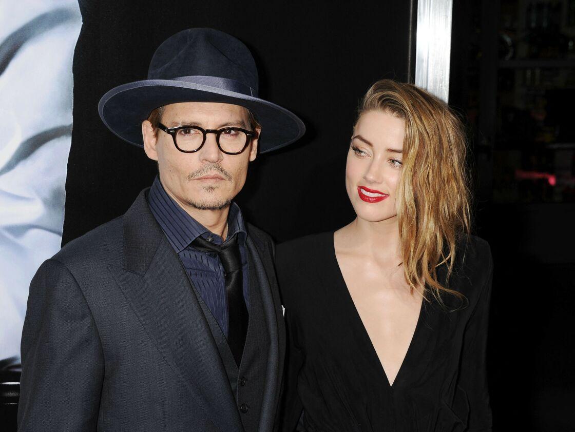 En 2015, Johnny Depp et Amber Heard connaissent déjà bien des soucis en privé, mais en public, le couple fait encore bonne figure