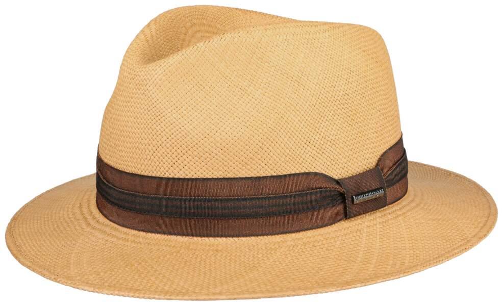 Chapeau,  179 €, Stetson.