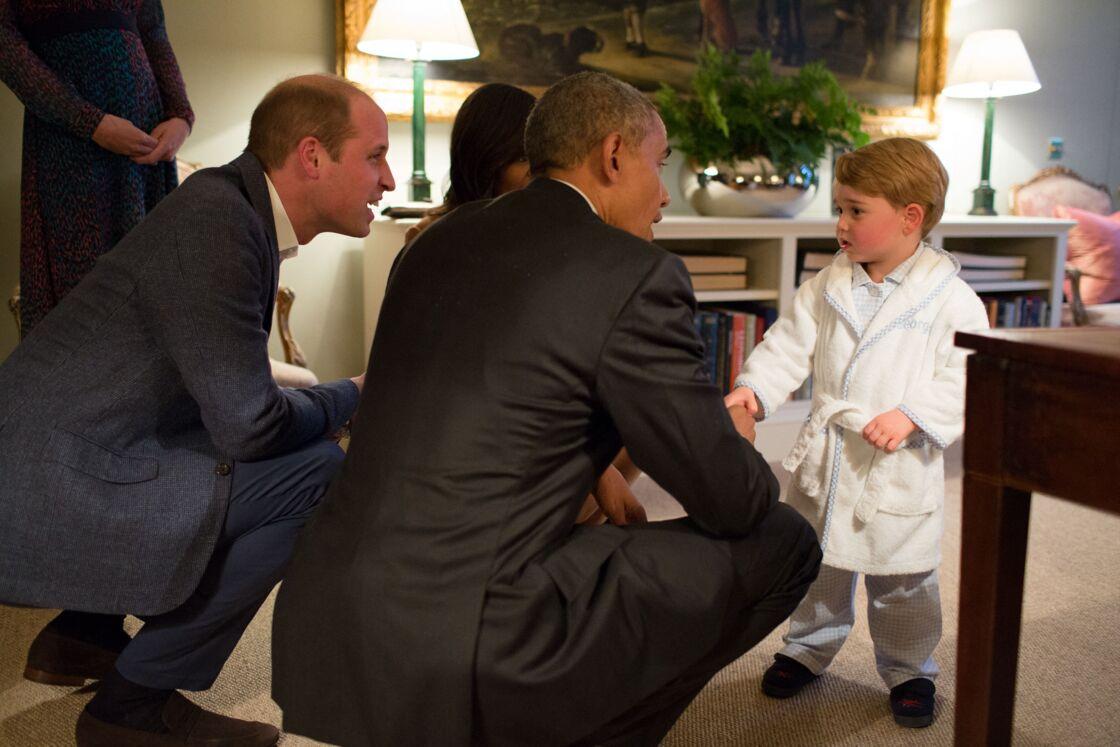 A 2 ans, le prince George avait déjà tous les honneurs
