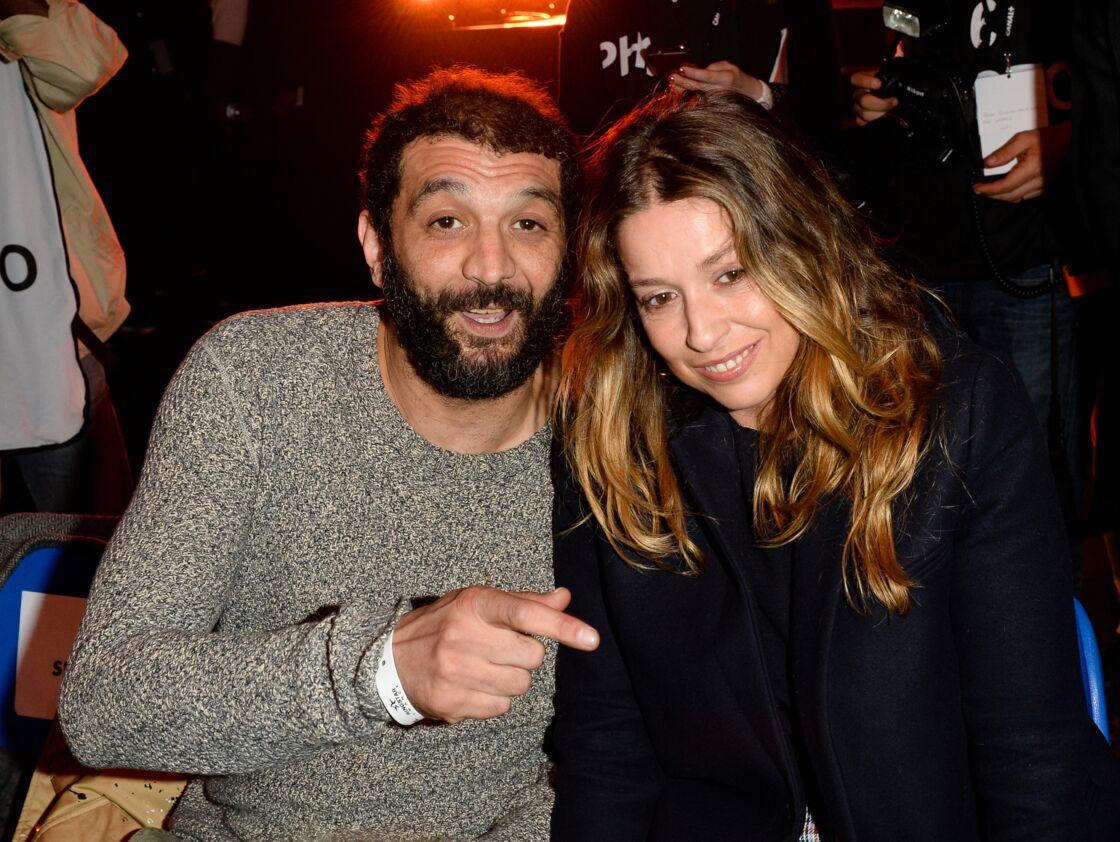 Ramzy Bedia et sa compagne Marion à un match de boxe au palais des sports de Paris le 7 avril 2018