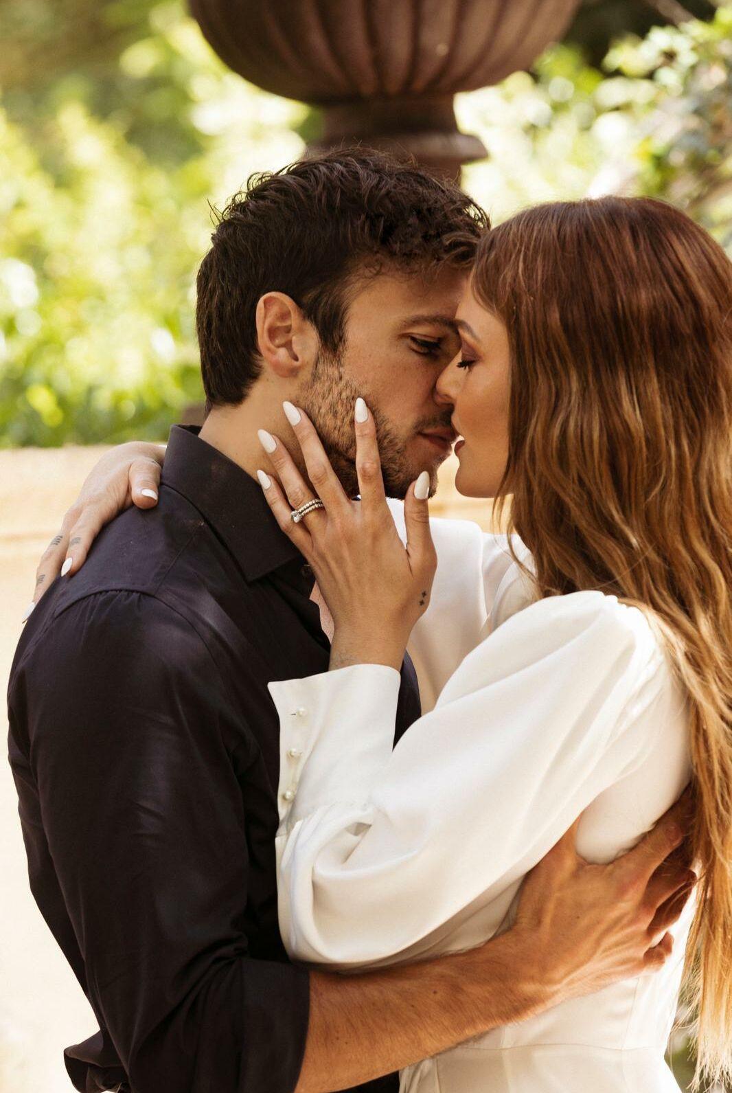 Caroline Receveur et Hugo Philippe se sont mariés le 11 juillet 2020 à Paris.