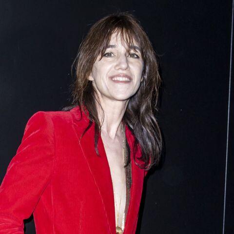 PHOTOS – Charlotte Gainsbourg icône de mode: focus sur son style rock et glamour