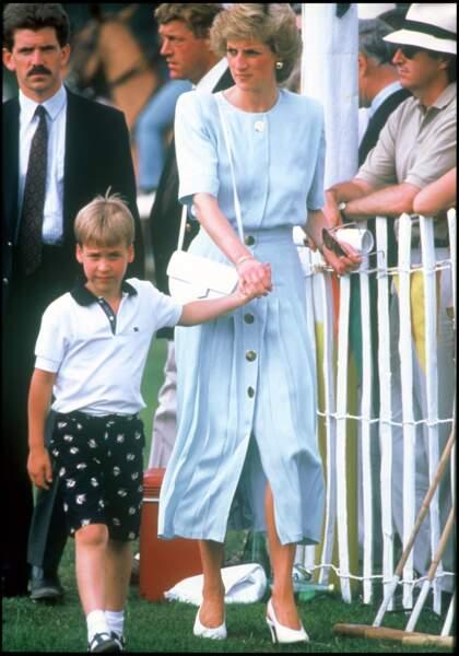 le prince William en polo Lacoste en 1989.