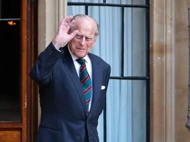 PHOTOS - Prince Philip en forme et souriant au château de Windsor
