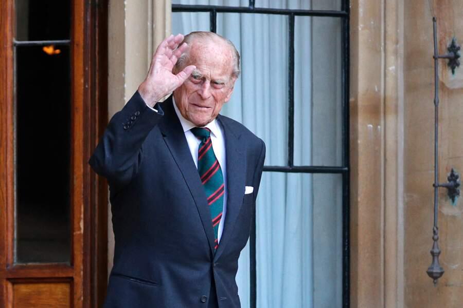 Le prince Philip, tout sourire, au château de Windsor ce mercredi 22 juillet