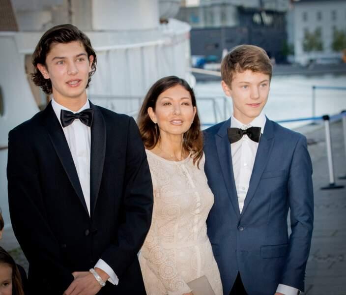 Le prince Nikolaï de Danemark, Alexandra de Danemark et le prince Felix le 28 aout 2017