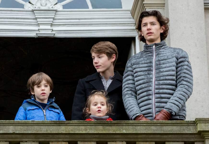 Le prince Henrik de Danemark et ses petits enfants les princes Nikolai, Felix, Henrik et la princesse Athena le 6 novembre 2016