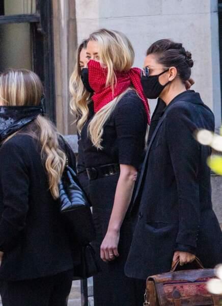 Amber Heard à son arrivée à la cour royale de justice à Londres, pour être entendue dans le procès intenté par son ex-mari Johnny Depp pour diffamation contre le magazine The Sun Newspaper, le 7 juillet 2020.