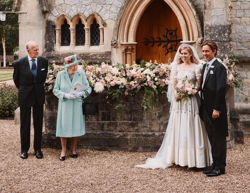 Le prince Philip et Elizabeth II comblés de bonheur au mariage de leur petite-fille, Beatrice d'York avec Edoardo Mapelli Mozzi ce vendredi 17 juillet
