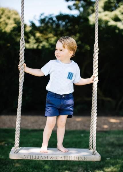 Le prince George célèbre son troisième anniversaire aujourd'hui. La photo a été prise dans la maison familiale de Norfolk à la mi-Juillet en 2016.