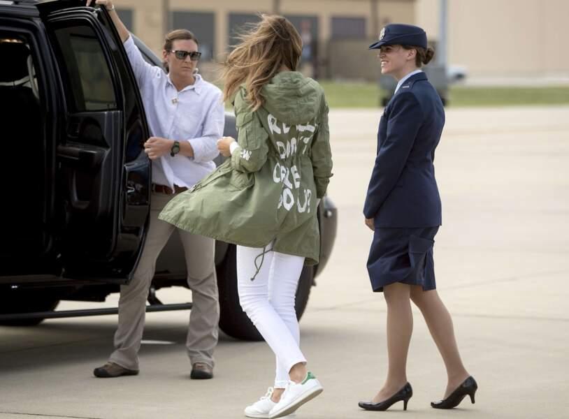 "La veste "" I really don't care, do you ? "" de Melania Trump"