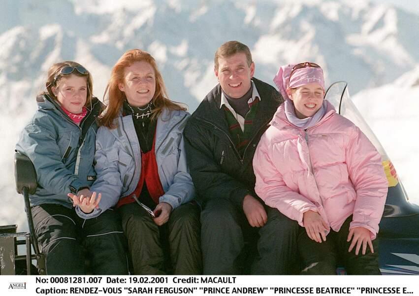 Sarah Ferguson, le prince Andrew, les princesses Beatrice et Eugenie, à Verbier, en Suisse, en février 2001.