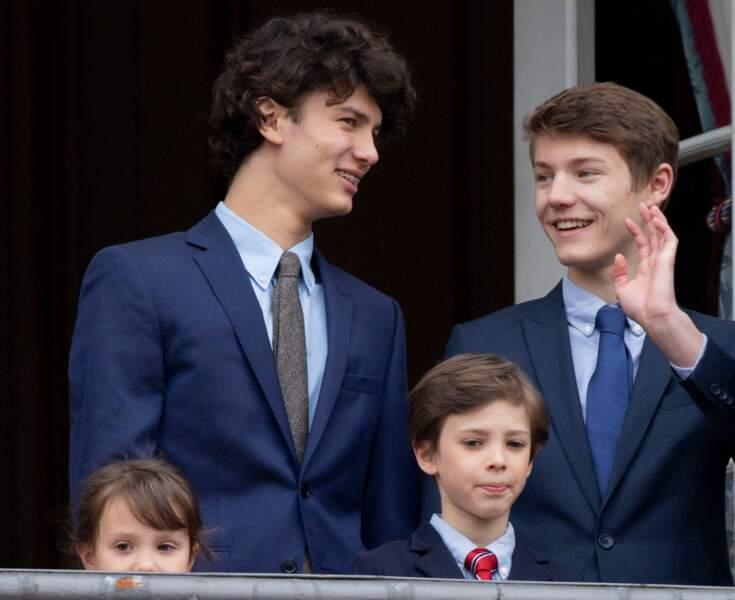 Le prince Nikolai et le prince Felix, accompagnés de la princesse Athena et du prince Henrik, leurs demi-frères et soeurs, pour le 78ème anniversaire de la reine, le 16 avril 2018.