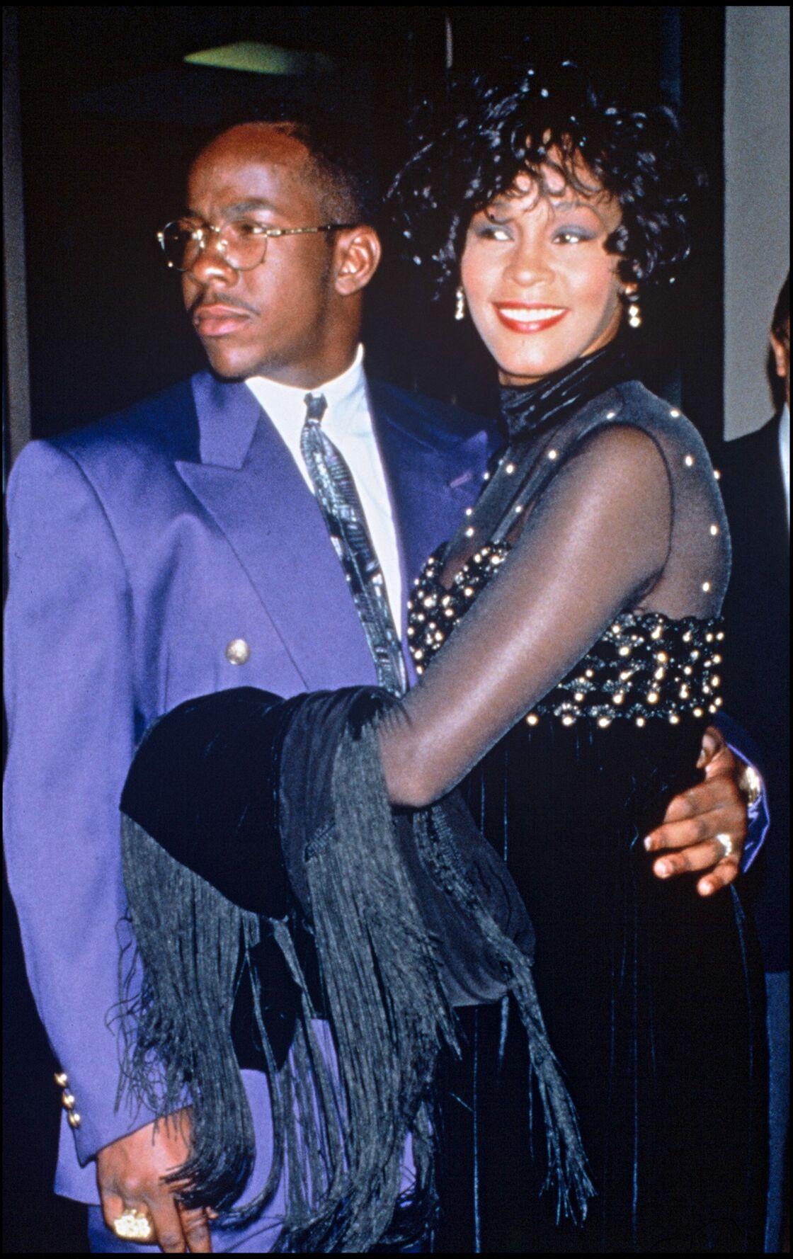 À l'aube des années 1990, Whitney Houston débute sa relation avec Bobby Brown. Très vite, la chanteuse tombe dans une spirale infernale
