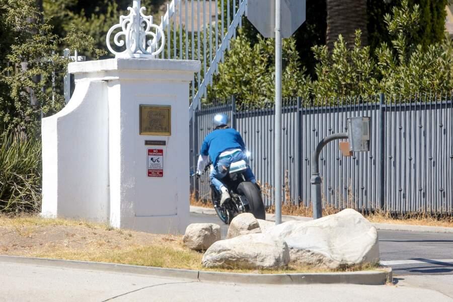Brad Pitt a été reconnu sur sa moto