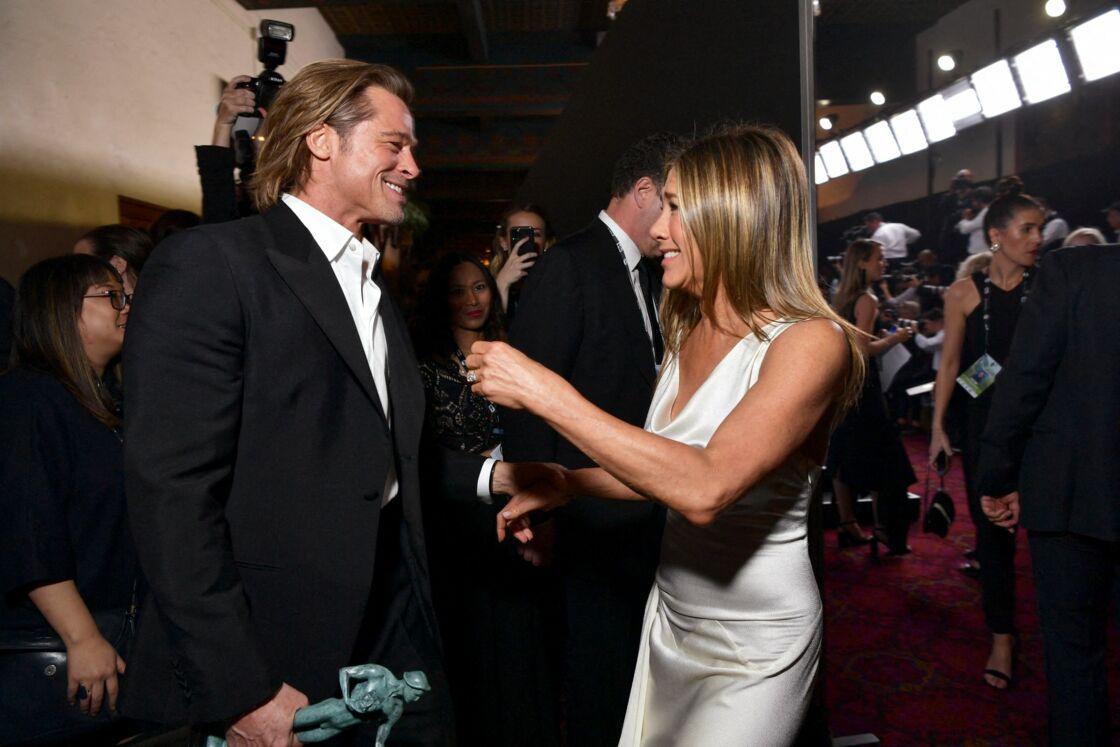 En 2020, lorsque Jennifer Aniston et Brad Pitt, désormais célibataire, se retrouvent aux Oscars, Internet frémit. Quinze ans après l'annonce de leur divorce, leurs fans veulent croire à un retour de flamme.