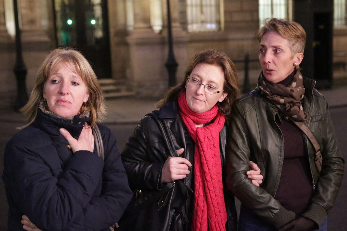 Sylvie, Carole et Fabienne, après avoir été reçues par François Hollande au palais de l'Élysée, dans le cadre de leur demande de grâce pour leur mère, en janvier 2016.