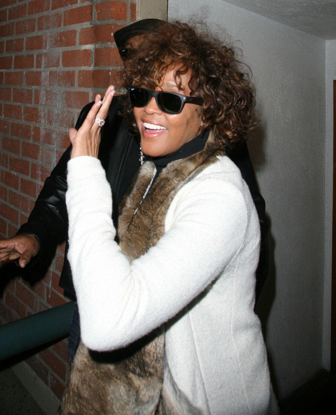 Quelques jours avant sa disparition, en février 2012, Whitney Houston, semblait avoir repris goût à la vie, loin de son ex-mari