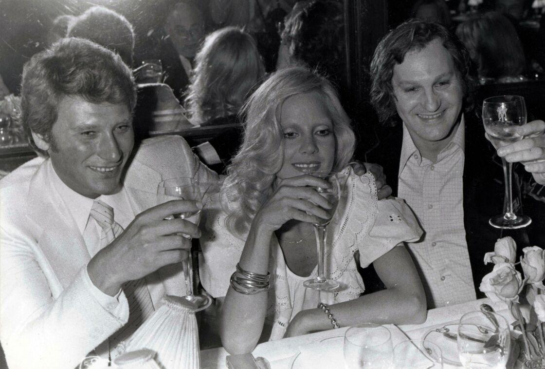 Johnny Hallyday, Sylvie Vartan et Jean-Jacques Debout, à L'Olympia, dans les années 1960.