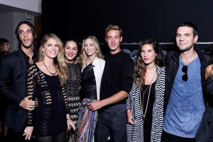 Pierre Casiraghi, Beatrice Borromeo, Tatiana Santo Domingo, Eugenie Niarchos réunis à Paris lors d'une soirée.