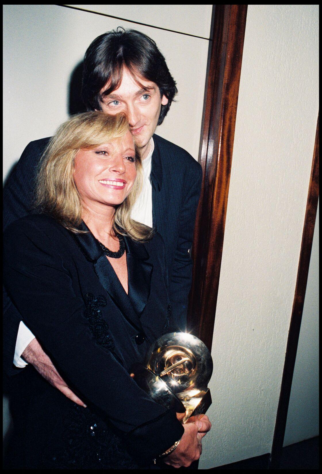Malgré leur divorce en 2004, Pierre Palmade et Véronique Sanson restent très proches (ci-dessus, le couple en 1996)
