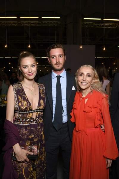 Beatrice Borromeo et Pierre Casiraghi avec Franca Sozzani, rédactrice en chef de Vogue Italie décédée en 2016.