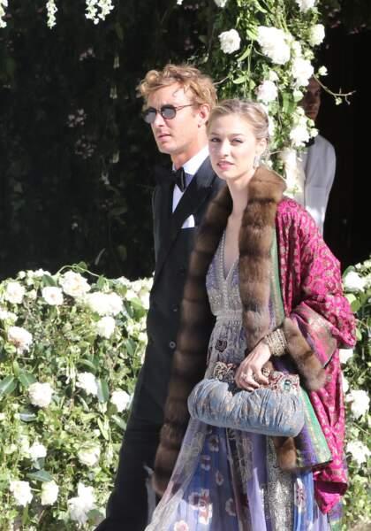 Pierre Casiraghi et Beatrice Borromeo toujours très stylés au mariage de Noor Farès et Alexandre Khawam le 13 juin 2015.