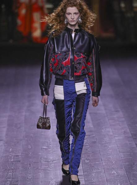 Les boucles, les boucles, les boucles, chez Louis Vuitton.
