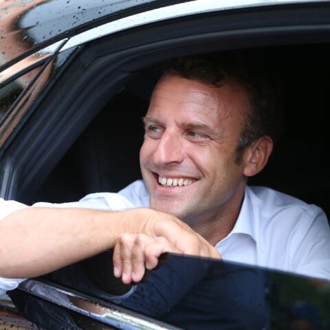 Emmanuel Macron «fait la marmotte» au bord de la piscine: les vacances, un piège pour le président?