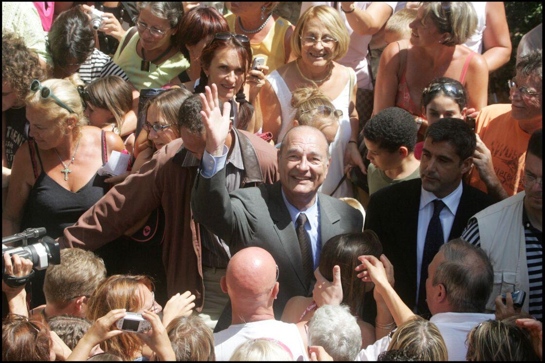 Jacques Chirac va à la messe à Bormes-les-Mimosas en 2006