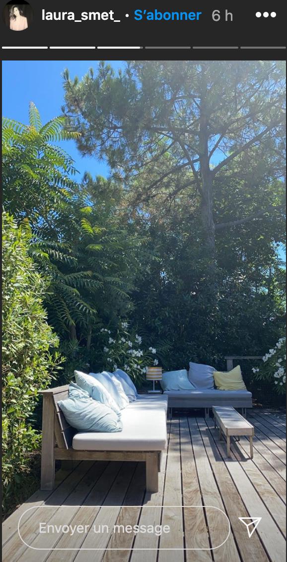 Laura est dans l'une des cabanes de son ami Philippe Bartherotte, au Cap Ferret, le 4 août 2020.
