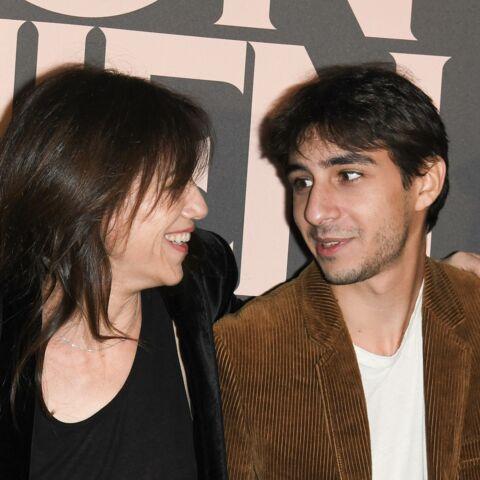 PHOTOS – Charlotte Gainsbourg partage de rares clichés de son fils Ben: la ressemblance est frappante!