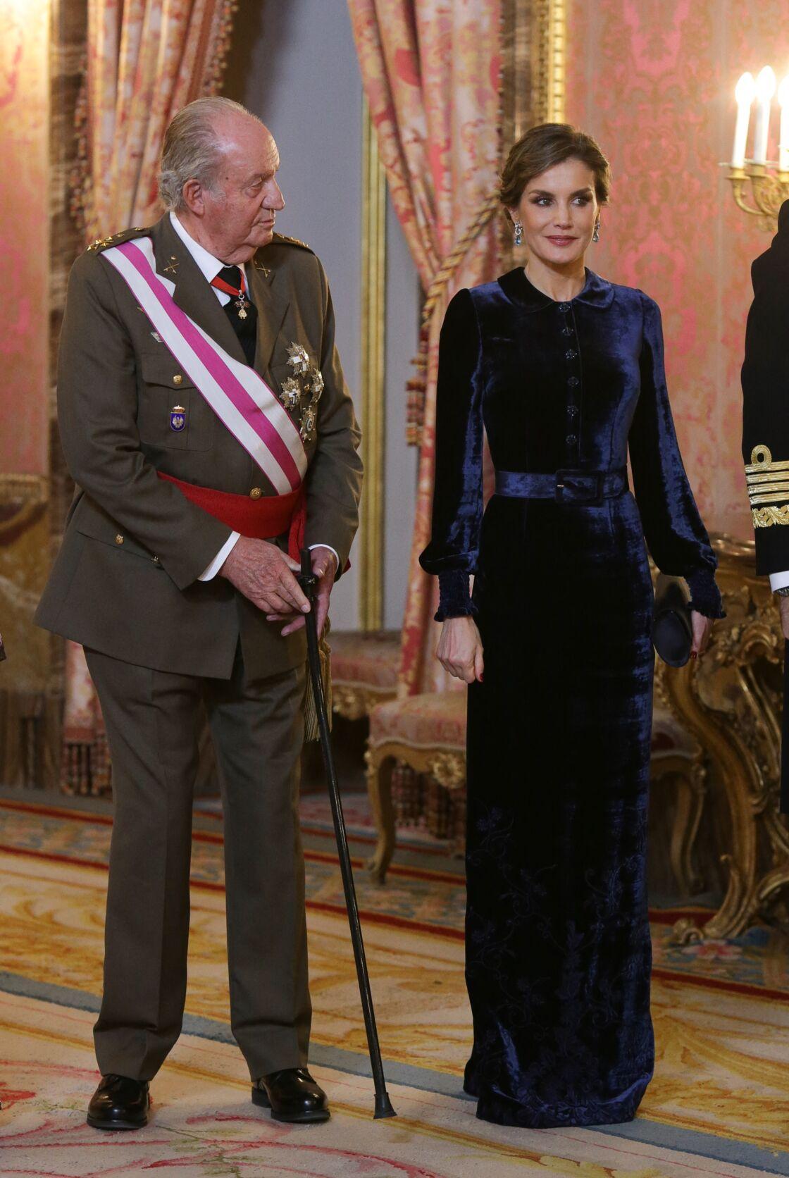 En public, Juan Carlos et Letizia d'Espagne ont toujours fait bonne figure, mais en privé, le torchon brûle